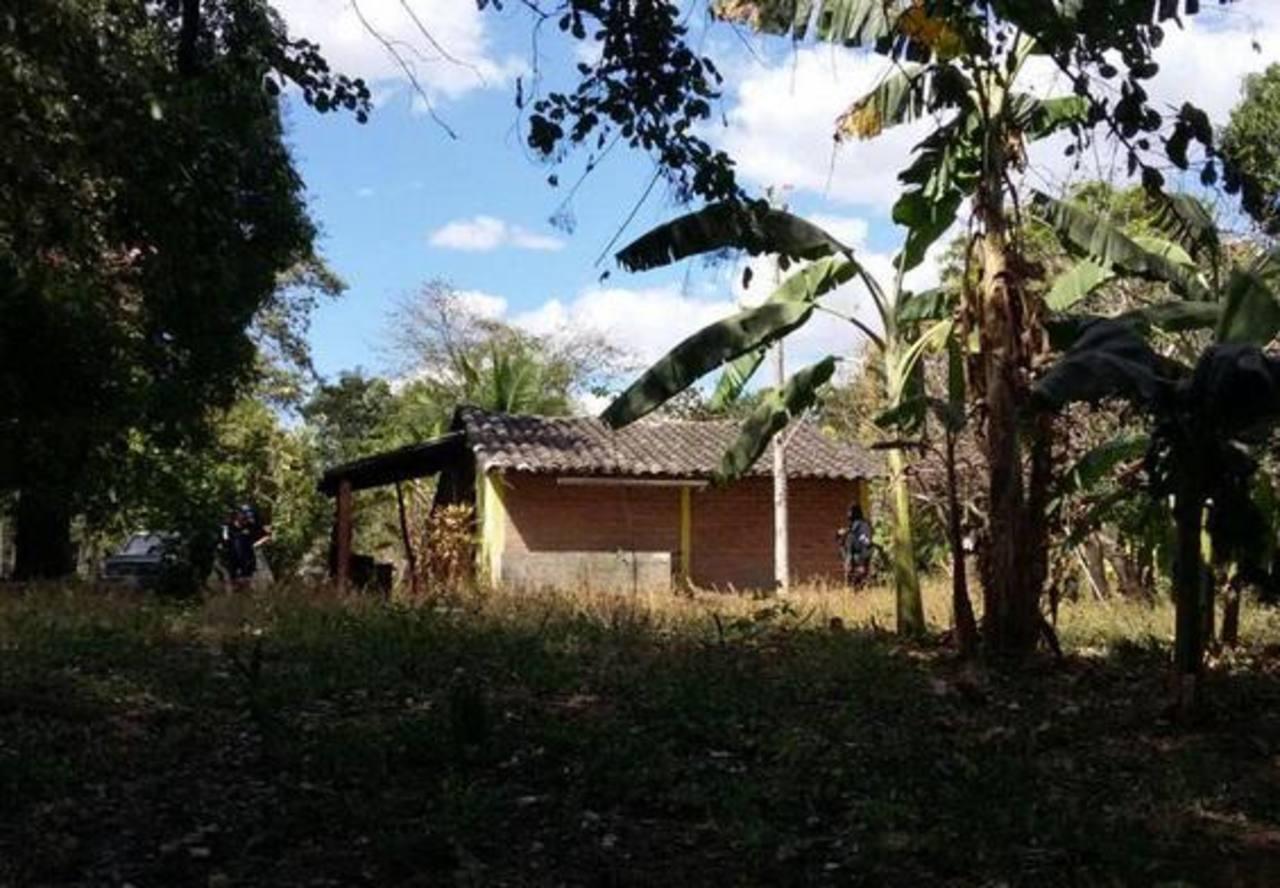 Casa de uno de los detenidos en cantón El Amate, San Miguel.