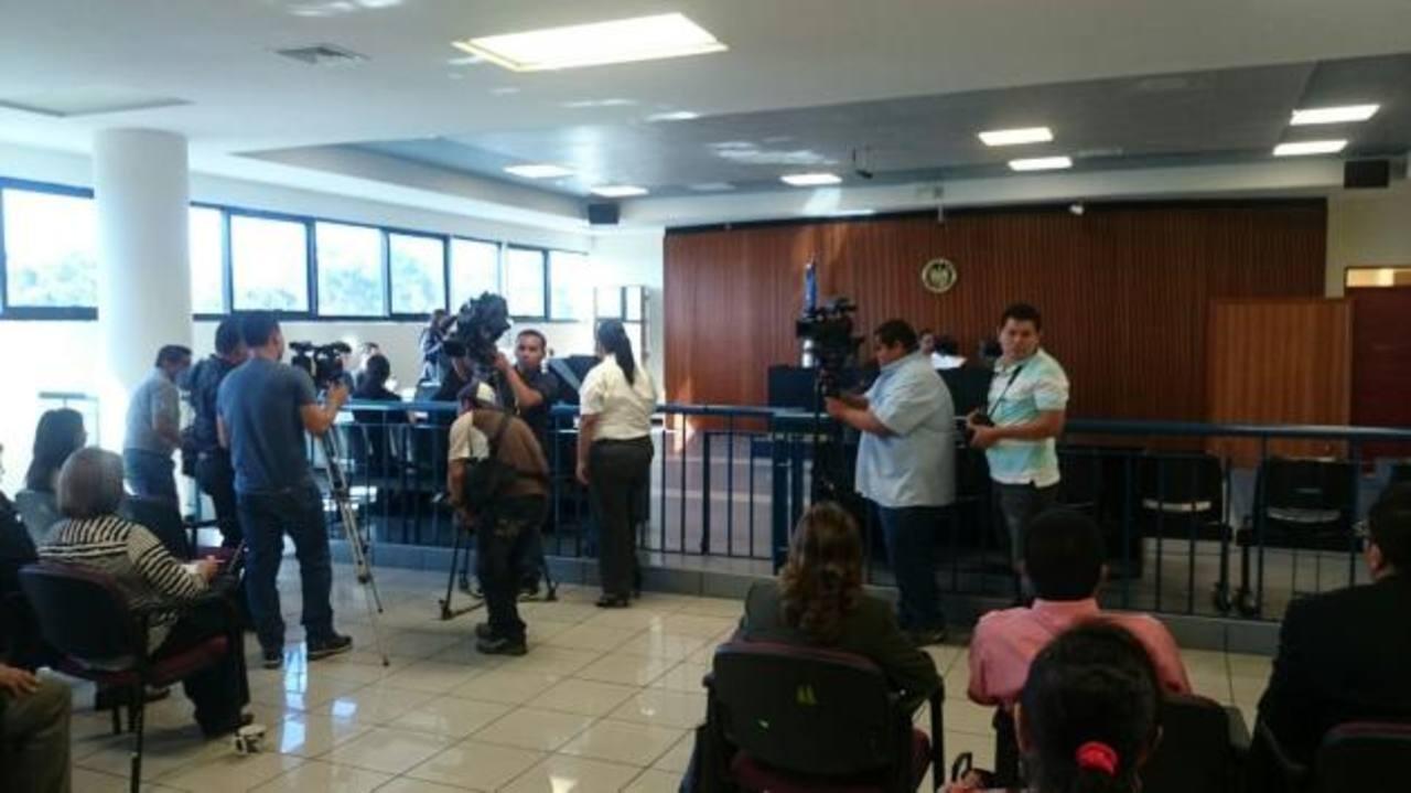 Pandilleros piden que les devuelvan $15 mil que les decomisaron en requisa