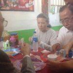 Secretario General de la ONU y su esposa en Pupusodromo de Olocuilta probando el plato típico salvadoreño.