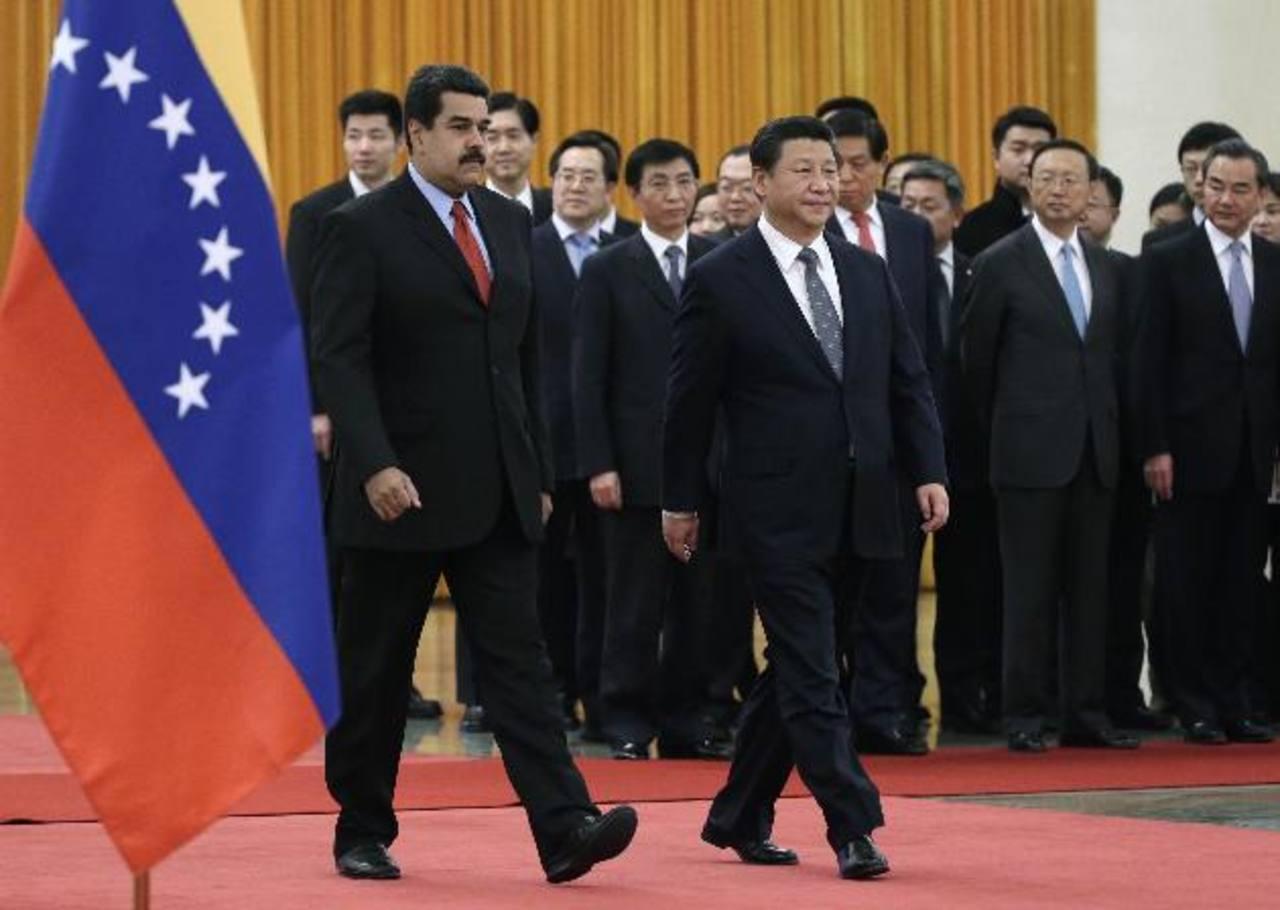 La reunión entre ambos mandatarios se llevó a cabo durante el congreso entre China y Latinoamérica (Celac). Fue en esta reunión que Maduro pidió ayuda al gobierno chino.