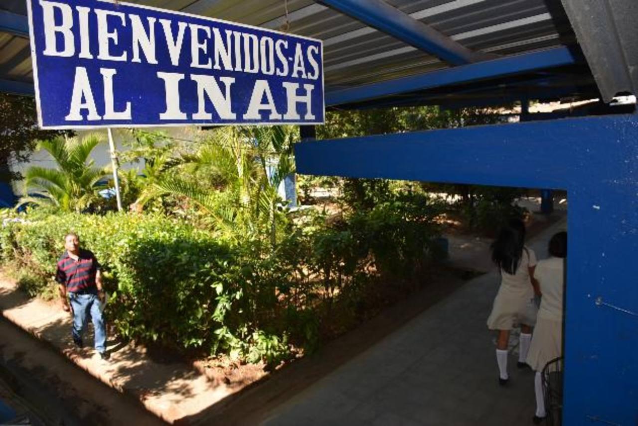 Diferentes centros educativos del municipio están en mora con el pago de las tasas. fotos edh / cristian díaz.