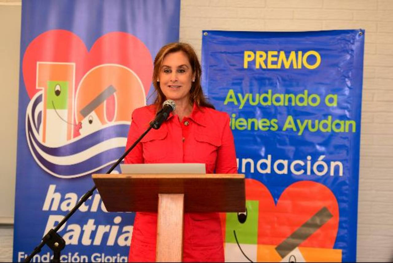 Doña Celina de Kriete, directora ejecutiva de la Fundación Gloria de Kriete, motivó a las organizaciones sin fines de lucro a participar en la competencia, también adelantó detalles sobre la celebración de su décimo aniversario. foto edh / jorge reye