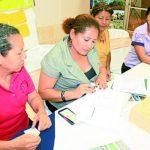 Las mujeres aprenderán diversas temáticas de interés para su desarrollo. Foto edh / CORTESÍA Son 30 mujeres las que participarán en los diplomados, las cuales viven en La Paz y San Vicente.