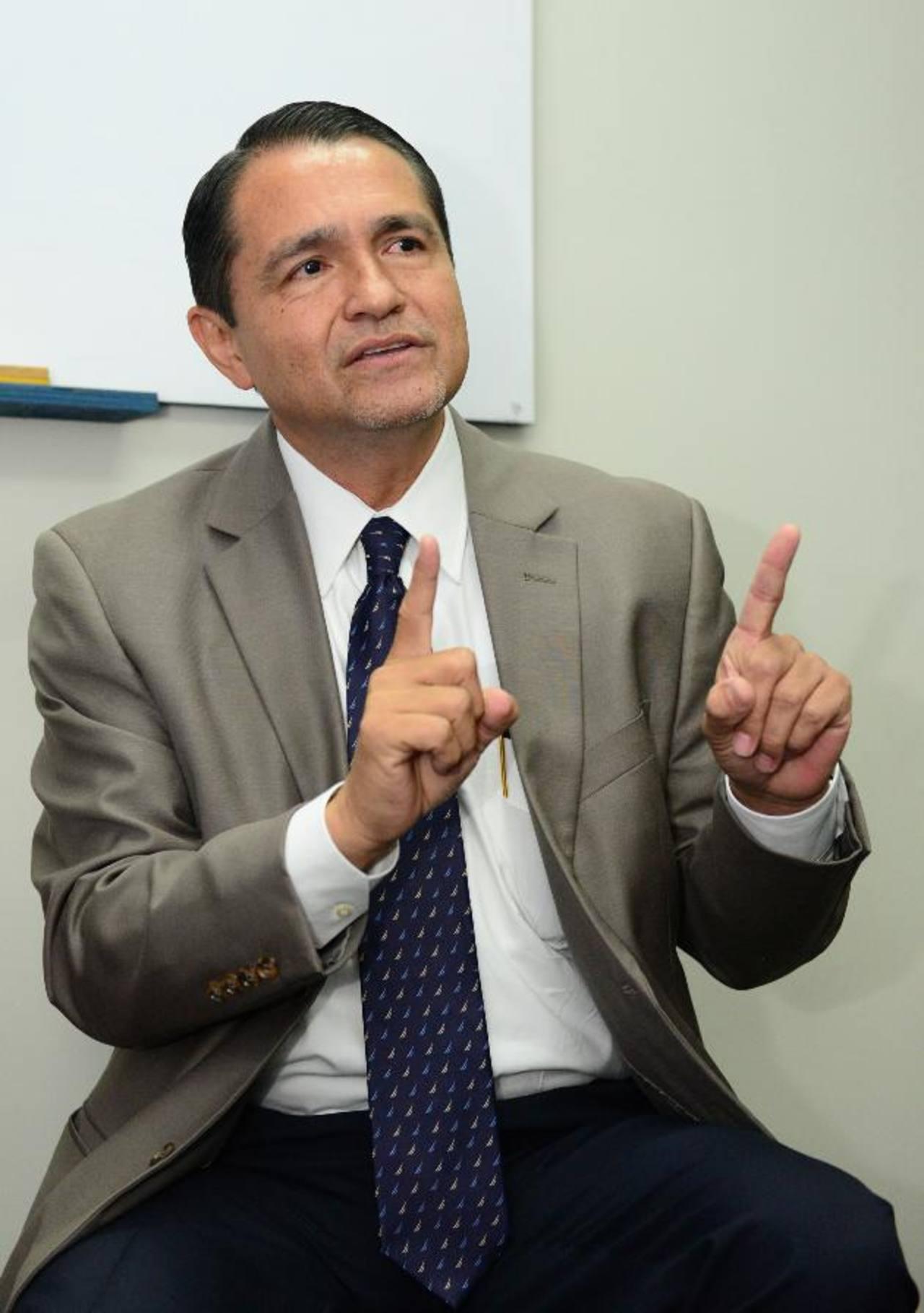 René Castellón es el abogado defensor del exministro de Obras Públicas, Jorge Nieto, en el caso de la Diego de Holguín. Foto EDH / Archivo.