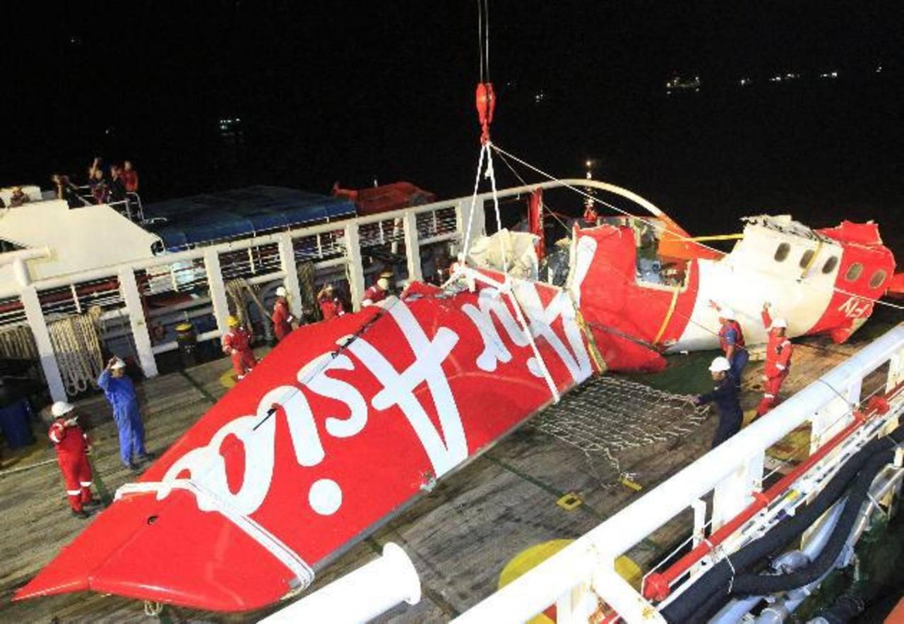 Avión de AirAsia subió a velocidad excesiva antes de estrellarse