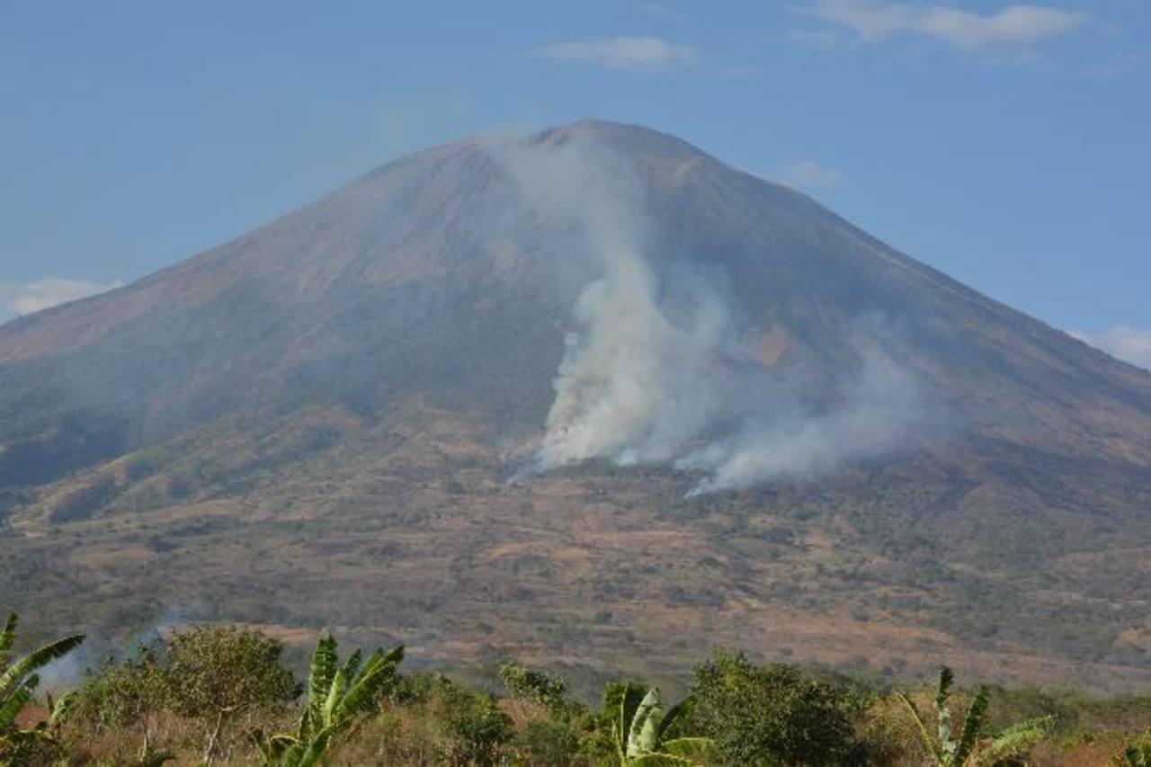 La quema del pasado lunes abarcó 80 hectáreas de terreno. Foto EDH/ Carlos Segovia