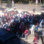 Vendedores bloquean Sitramss por segundo día consecutivo