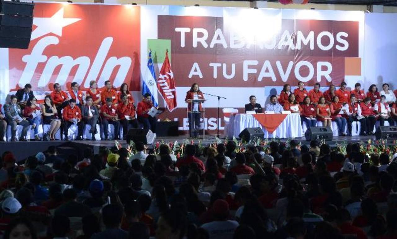 El pasado 12 de enero, el FMLN presentó a sus bases la plataforma legislativa entre las que busca, una vez más, regular los contenidos en los medios de comunicación. Foto EDH / Archivo