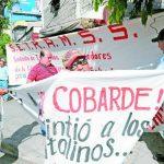 La protesta de unos quince sindicalistas empezó a eso de las 8:30 a.m. Foto EDH/claudia castillo