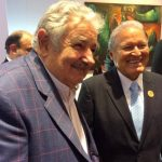 Sánchez Cerén junto al presidente de Uruguay, José Mujica. /