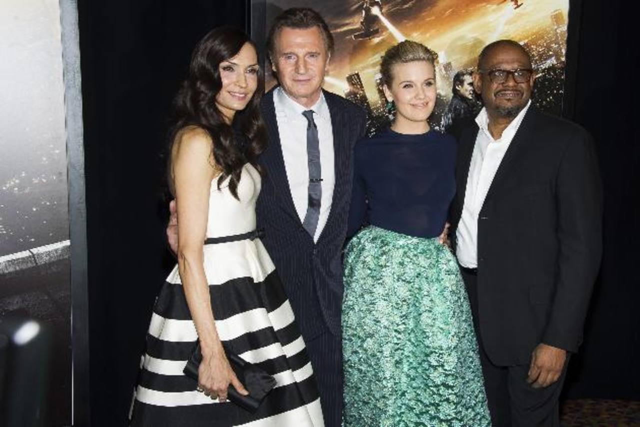 """Famke Janssen, Liam Neeson, Maggie Grace y Forest Whitaker en el estreno de """"Taken 3""""."""