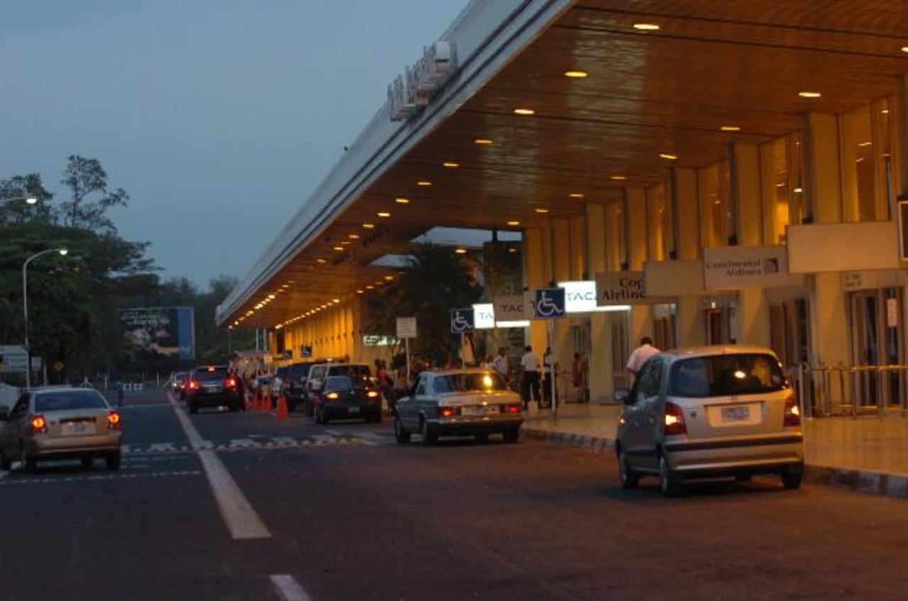 Avianca inaugura sala VIP en Aeropuerto Internacional de El Salvador