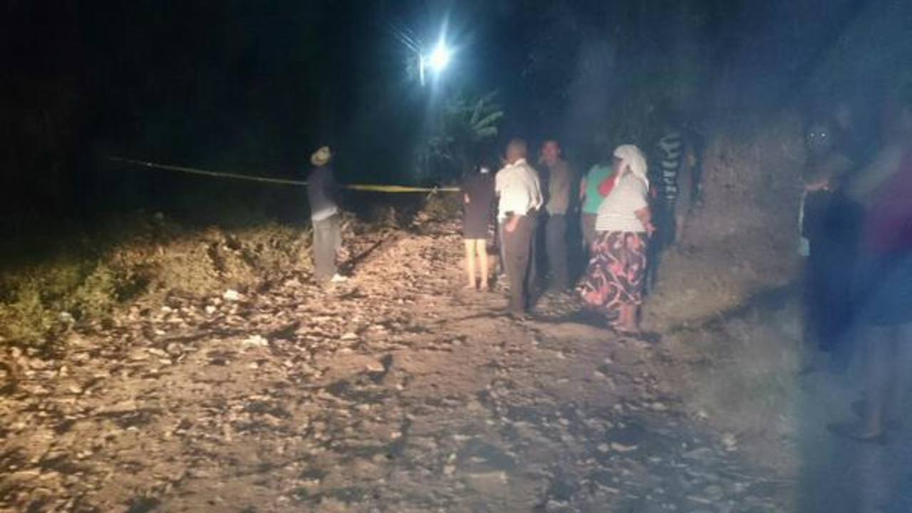 En el cantón Aguas Zarcas, de Ilobasco, Cabañas, fueron asesinados dos jóvenes.