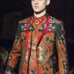 Ayer se presentaron trajes de chaqueta renovados y propuestas estéticas urbanas.