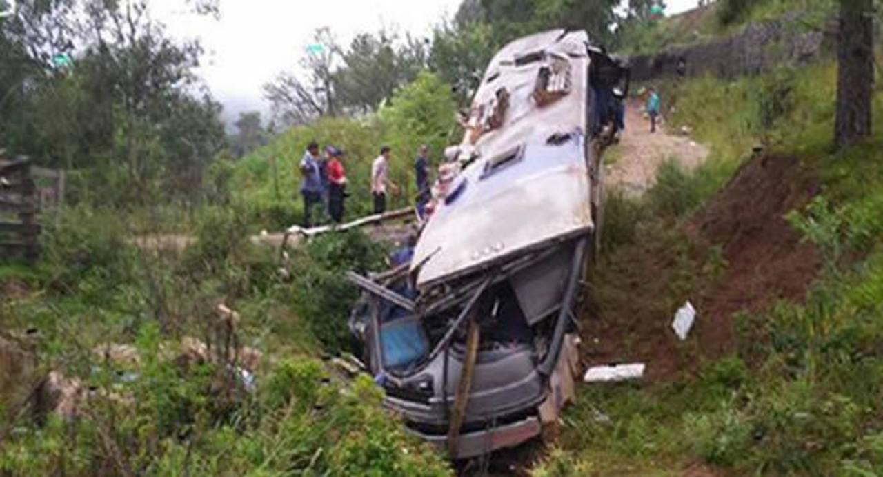 Nueve muertos y 25 heridos en accidente de autobús en Brasil