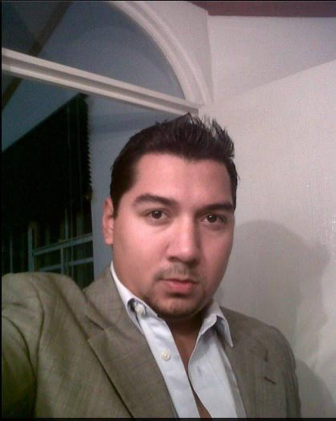Nelson Alejandro Mena Rivas, 27 años, fue asesinado la noche del miércoles anterior frente a una comunidad de la colonia Zacamil, en Mejicanos. Foto EDH/Tomada DE cuenta de Facebook de la víctima.El cadáver de Nelson Orlando fue retirado del Institut
