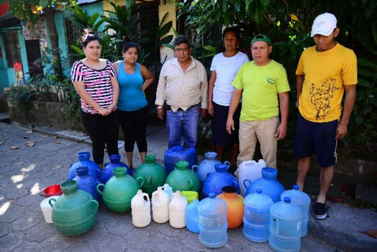 Si no resuelven sus demandas los afectados dicen que podrían manifestarse en las oficinas de Anda. Foto/ EDH