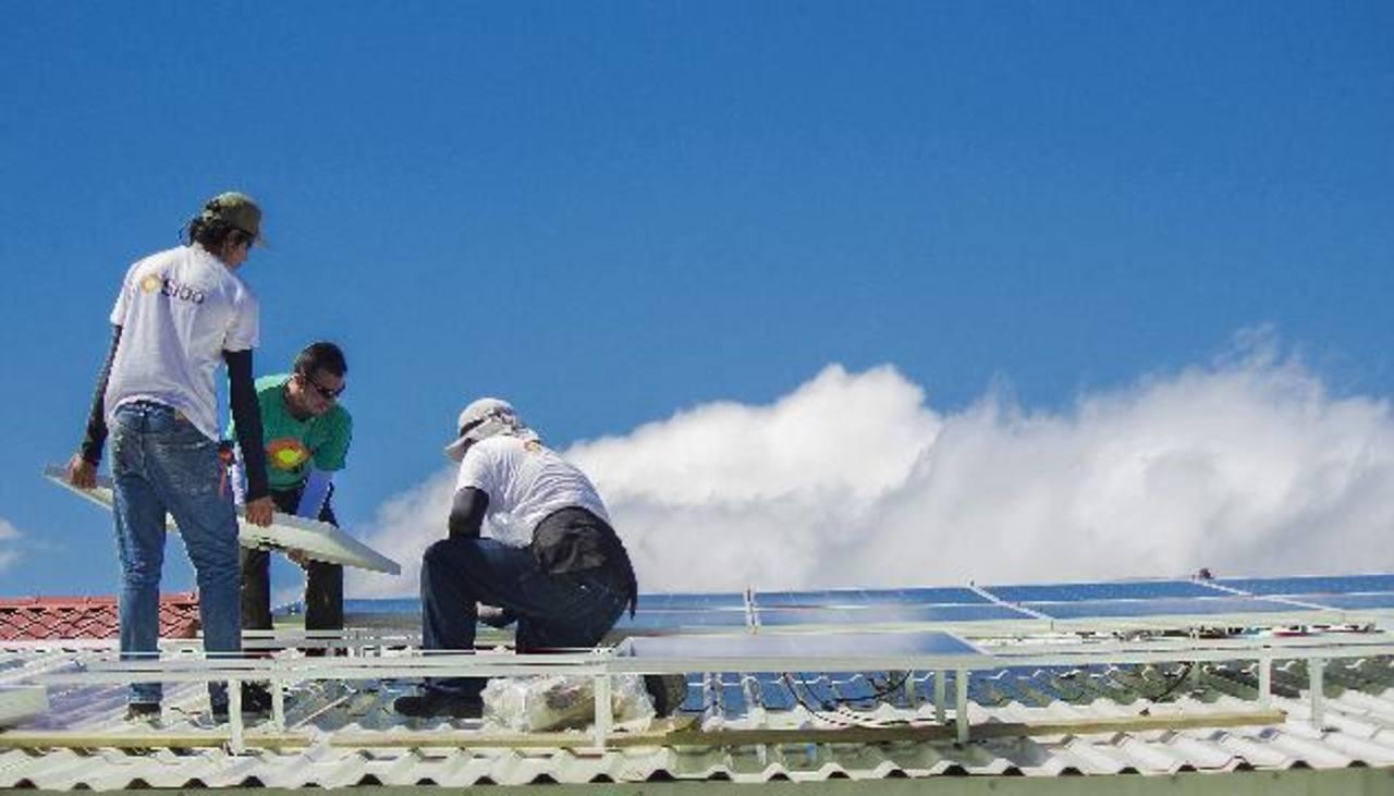 Algunas escuelas han instalado módulos fotovoltaicos.