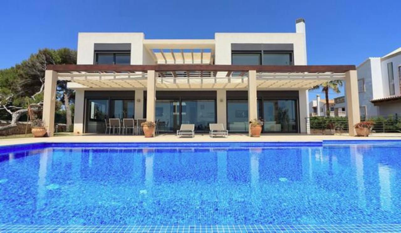 Esta residencia, en Mallorca, con un costo de 2.6 millones de euros, consta de 480 metros cuadrados.