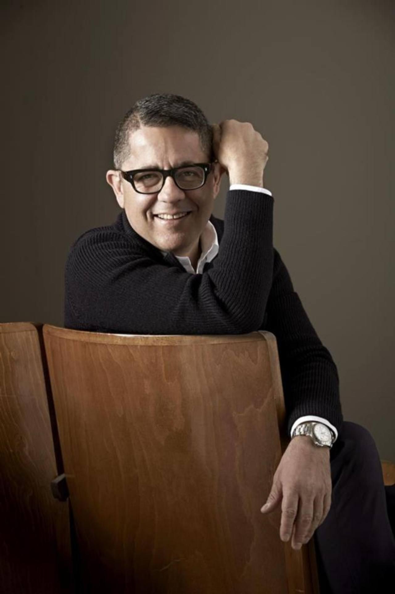 La firma italiana Gherardini nombró al diseñador guatemalteco Juan Carlos Pérez, nuevo director de la marca.