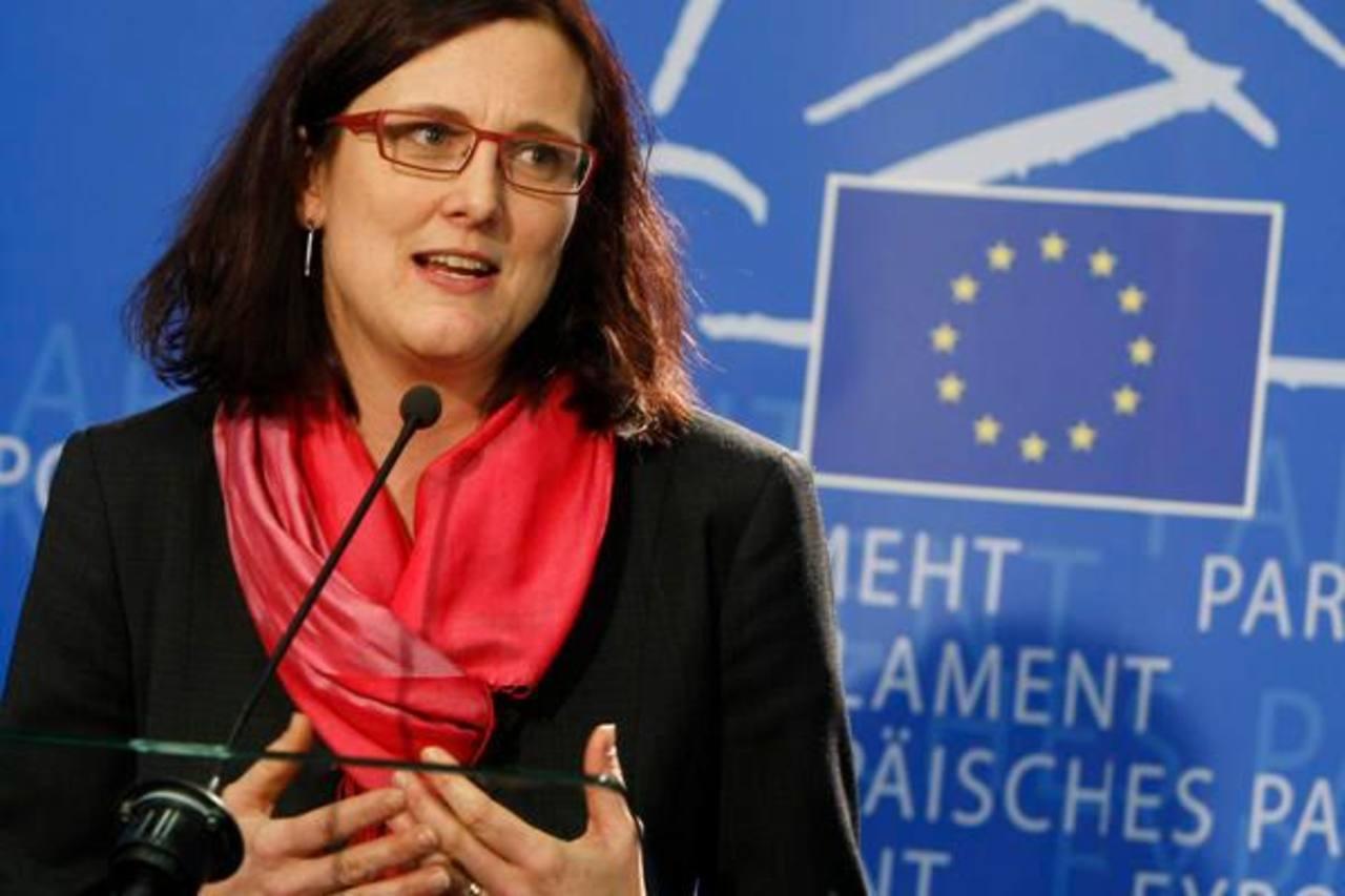 La comisaria europea de Comercio, Cecilia Malmström, cree que el cierre de negociaciones bilaterales de libre comercio que la Unión Europea tiene abiertas con terceros países podría incrementar su PIB un 2% ó 250.000 millones de euros.
