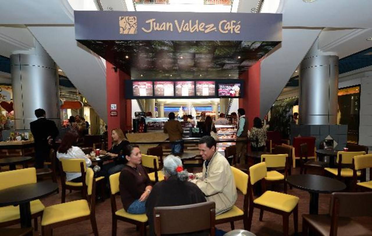Sucursal de Juan Valdez en el centro comercial Galerías, en San Salvador. La tienda fue inaugurada en enero de 2014.