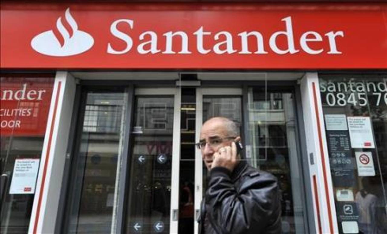 El Santander busca comprar el Novo Banco, que está bajo la mira de varios despachos de abogados que defienden a los accionistas que perdieron toda su inversión y ahorros.