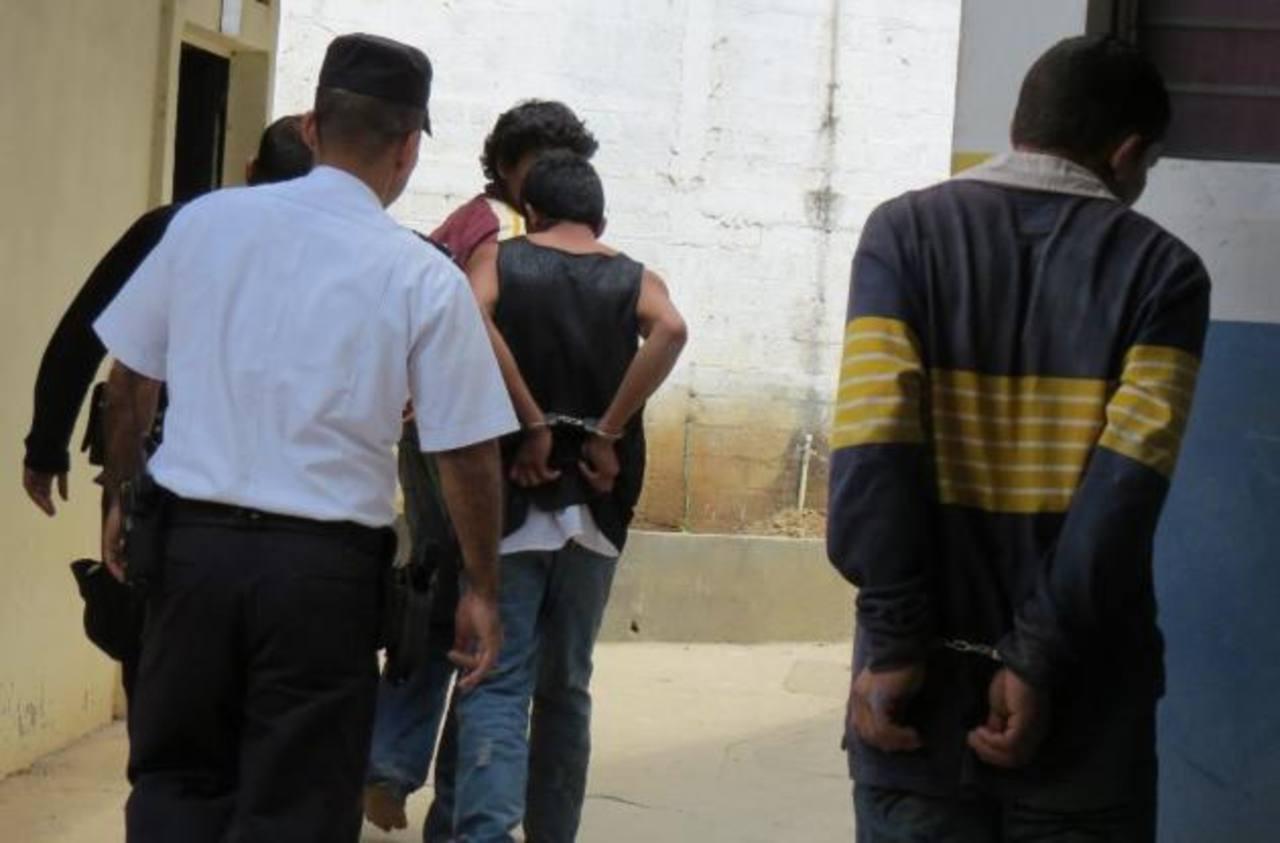 Exministro de Seguridad insta a las pandillas a rendirse