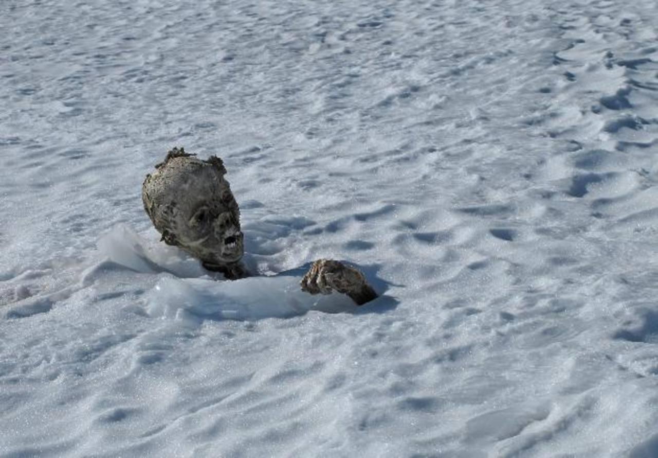 Encuentran segundo cuerpo momificado en el volcán mexicano