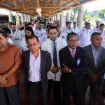 Médicos de Simetrisss se concentraron en el hospital General para exigir aumento salarial. Foto EDH