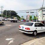 Este punto en la avenida Las Amapolas es uno de los lugares donde se reportan asaltos constantemente. Fotos EDH / René Quintanilla.