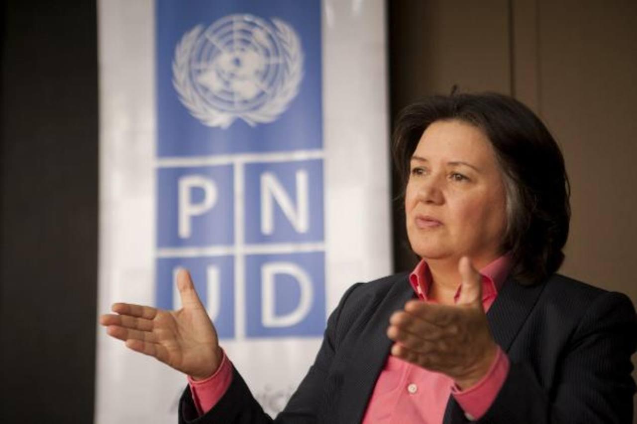 Representantes del PNUD afirman que los sistemas de protección social no cubren redes universales de acceso a trabajo, educación y salud. Foto EDH / archivo