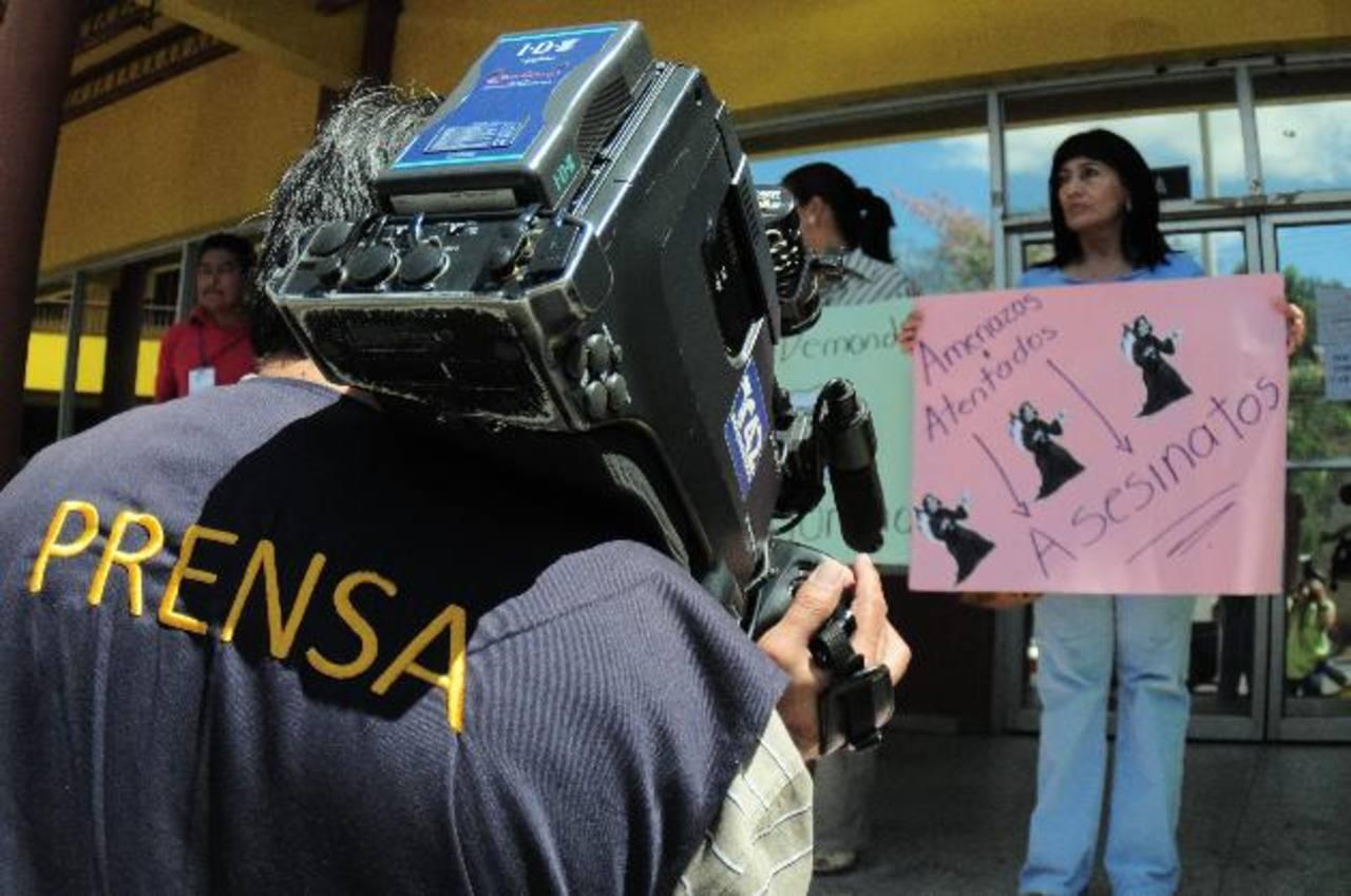 Periodistas protestan por los asesinatos de sus colegas.