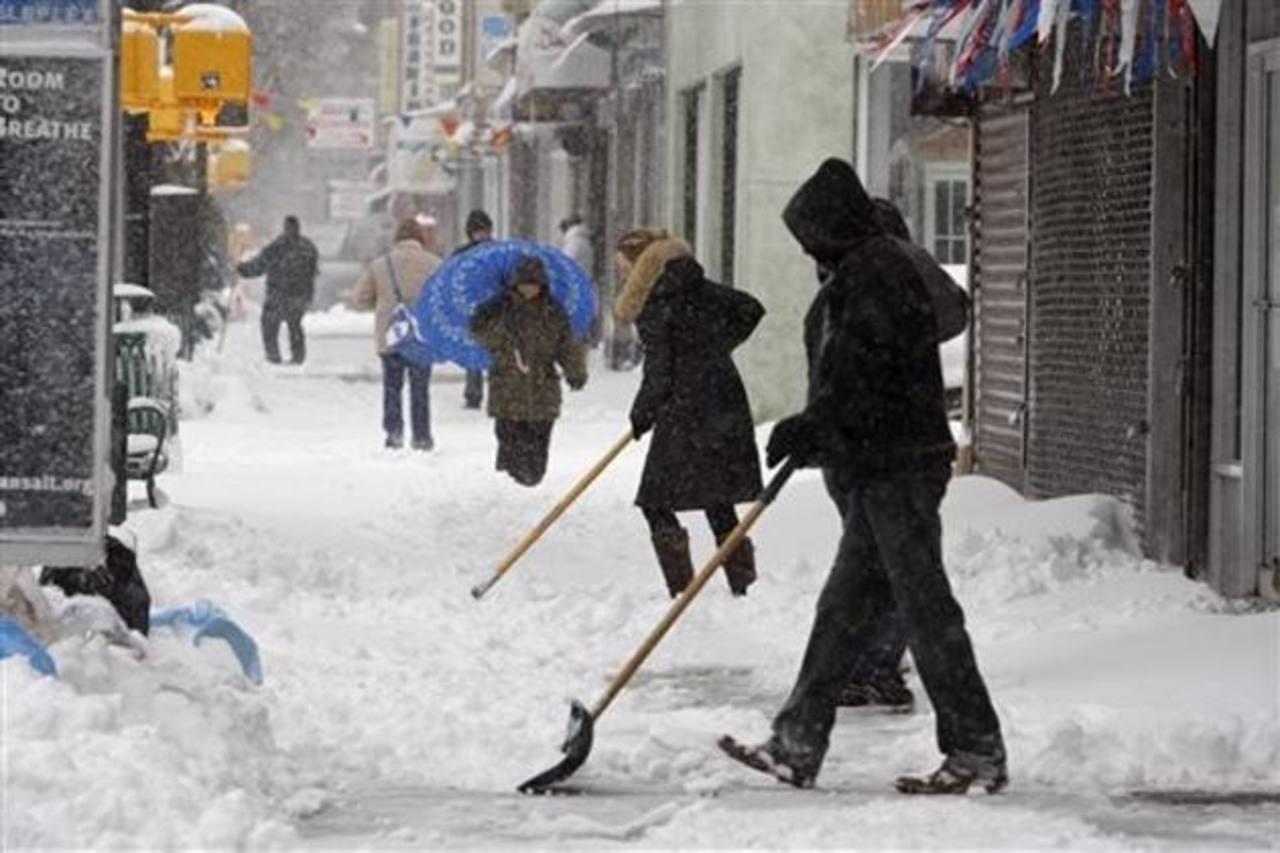 Las nevadas redujeron la actividad en Estados Unidos, pero aún así la economía creció.. foto EDH