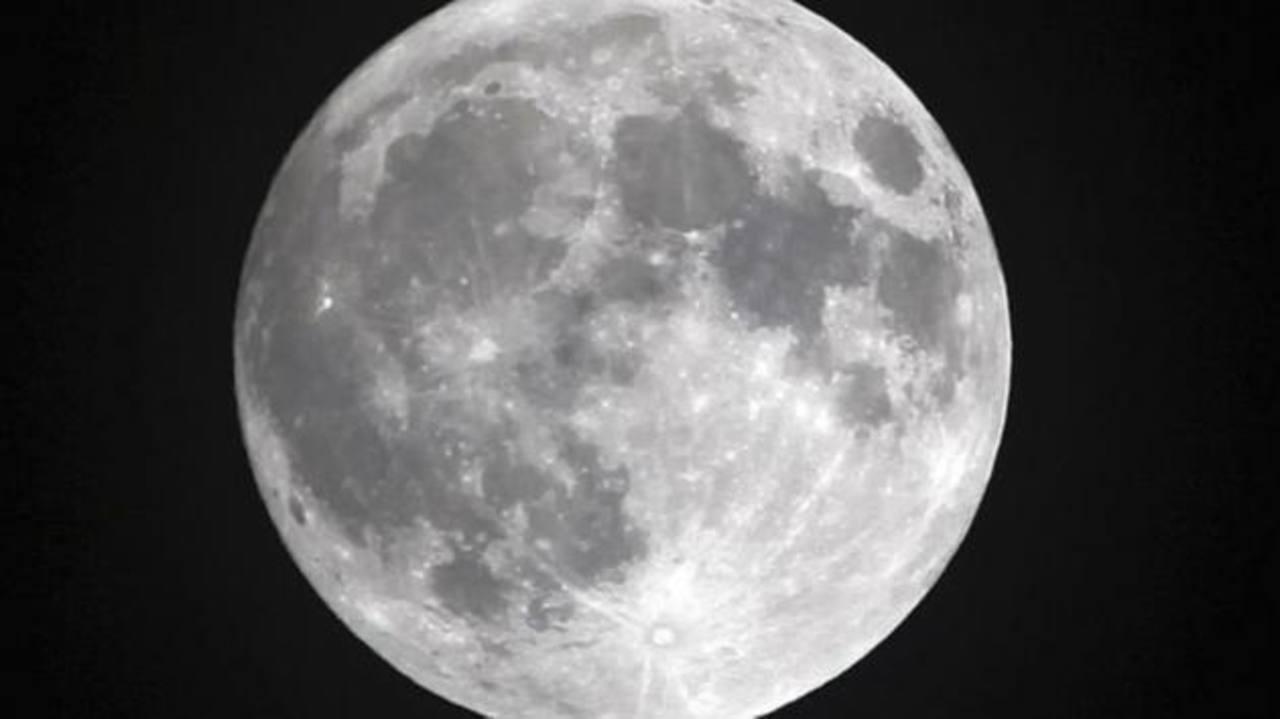 ¿Sabes cuántos años tiene la Luna?