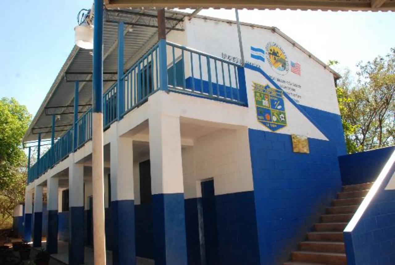 La inversión en las mejoras del centro escolar superó los 10 mil dólares en materiales, más la mano de obra. Foto EDH / Insy Mendoza