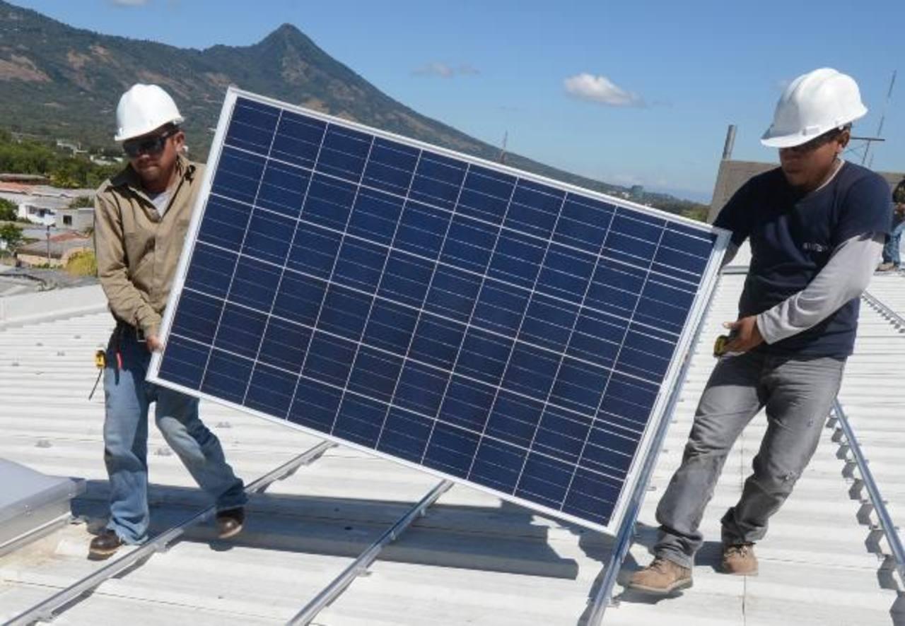 Los industriales exhortaron a los empresarios tomar medidas para racionalizar el uso de la electricidad, pues según sus estudios el 12 % de la energía producida se desperdicia. foto edh