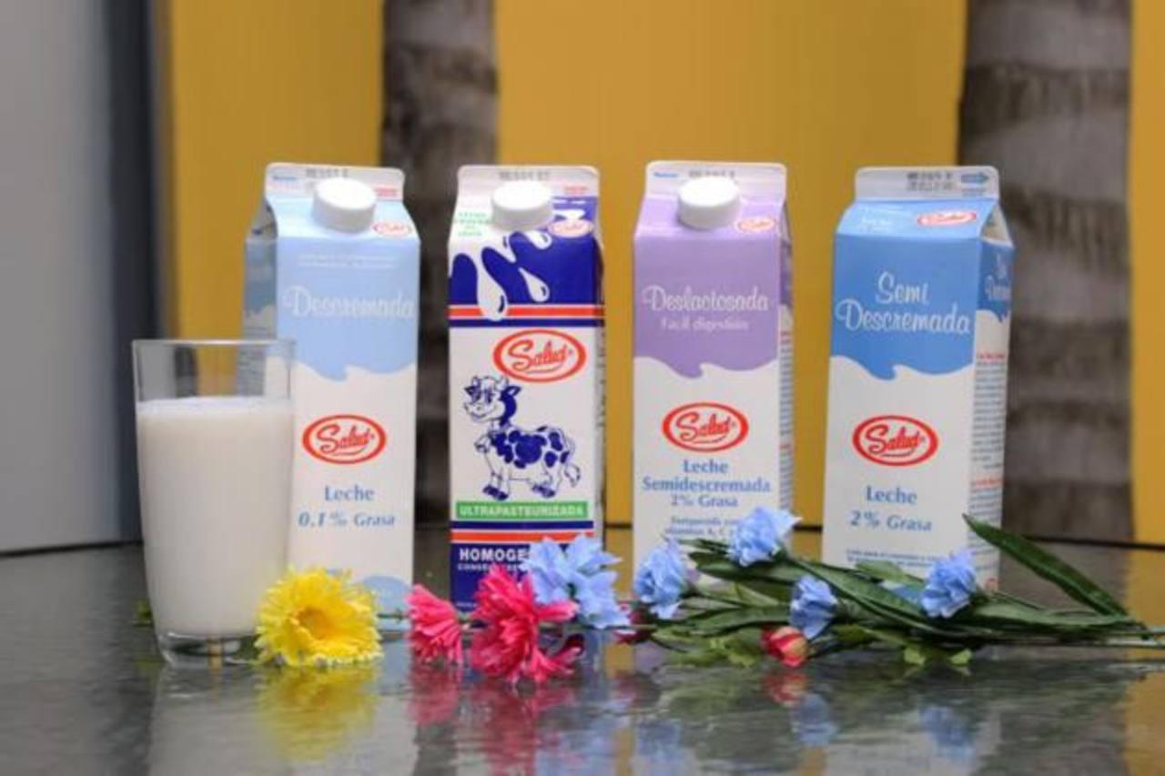 Salud produce y distribuye productos como leches frescas y saborizadas, yogures, quesos cremas y otras bebidas. FOTO EDH / David Rezzio.