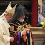El contexto de la declaración del Papa fue significativo: la hizo durante una misa de rito armenio en la Basílica de San Pedro, en el centenario de la masacre, acompañado por el patriarca católico armenio Nerses Bedros XIX Tarmoun. Foto EDH / EFE