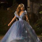 Lily James se pondrá en la piel de Cenicienta en el nuevo proyecto fílmico de Disney.