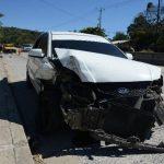 El conductor de este vehículo habría golpeado al pick up en el que iba la menor de 3 años junto a sus padres. Foto EDH Douglas Urquilla