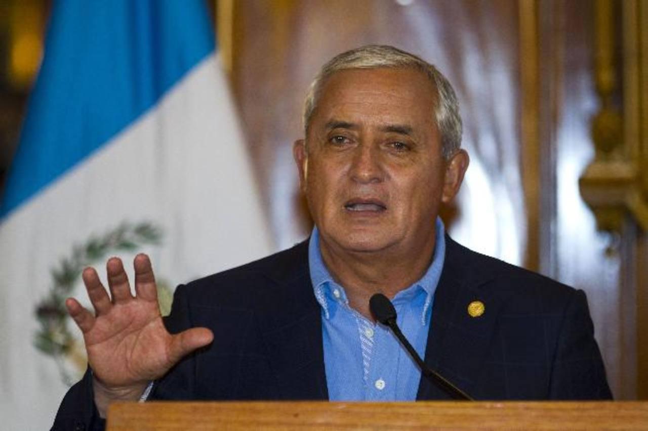 El presidente de Guatemala, Otto Pérez Molina, se refirió ayer al escándalo que salpica su gobierno, durante una conferencia de prensa ayer en la casa presidencial en Guatemala. EDH /AP