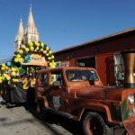Los intramuros iniciaron con un desfile en las calles aledañas. Fotos EDH / LISSETTE MONTERROSAEl convivio permitió fortalecer los lazos de amistad y el vínculo familiar.