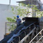 Autoridades y empresarios conocen la nueva planta energética . Foto EDH /Carlos segovia