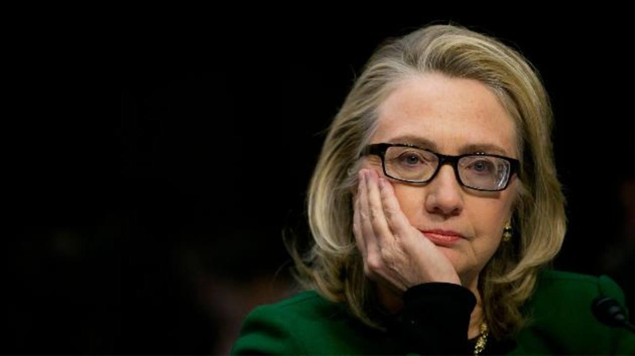 Hillary Clinton admite que usó su correo privado para asuntos oficiales