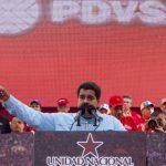 Nicolás Maduro, frente a un grupo de trabajadores del sector petróleo, el pasado 18 de marzo, en Caracas. foto edh / archivo