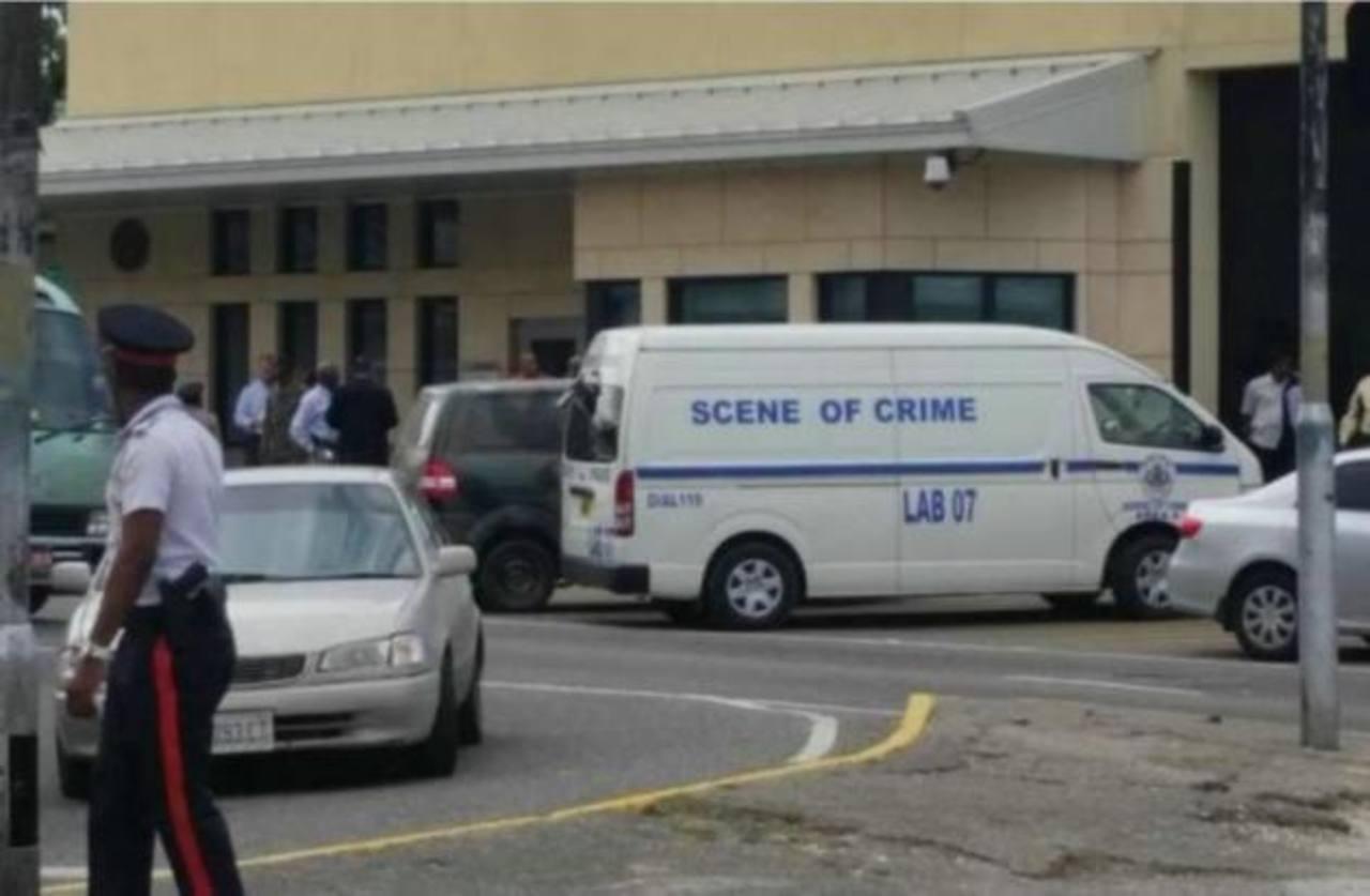 Cierran por unas horas embajada de EE.UU. en Jamaica ante mochila sospechosa