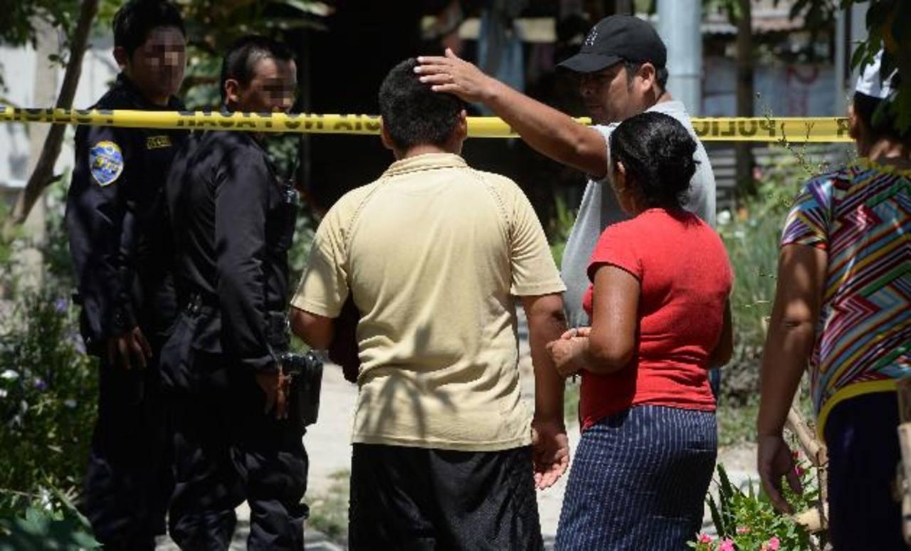 El infante fue herido de bala en la cabeza, en la colonia Samuel Joaquín Aaron, en San Martín. Foto EDH / Jaime Anaya