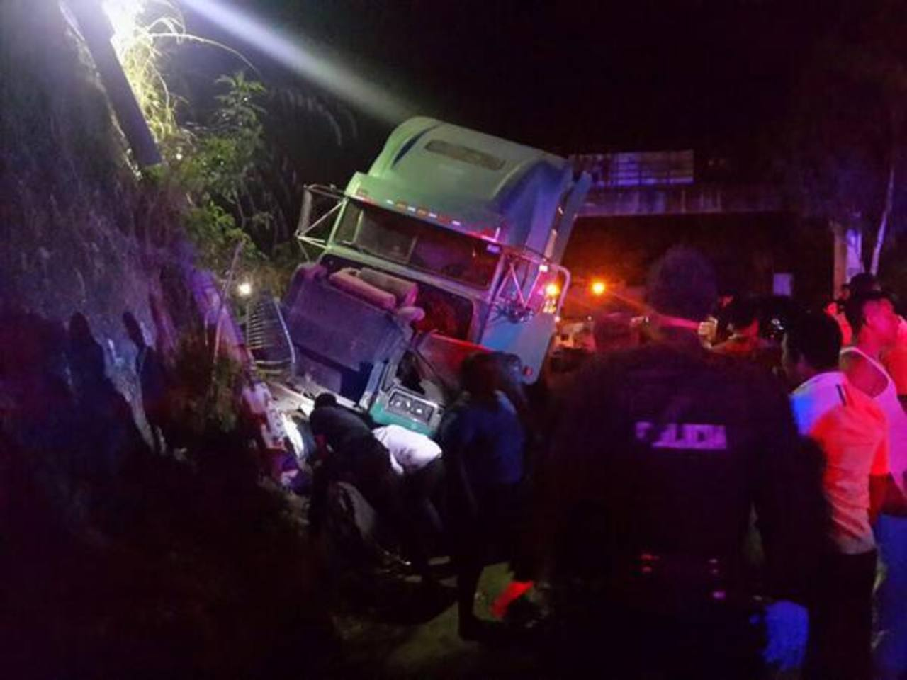 Múltiple accidente en Cuscatlán. /