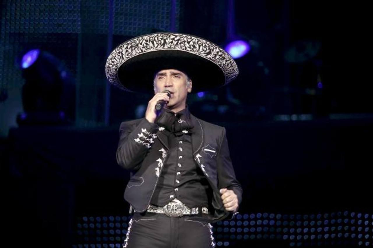 5 canciones de Alejandro Fernández en su cumpleaños 44